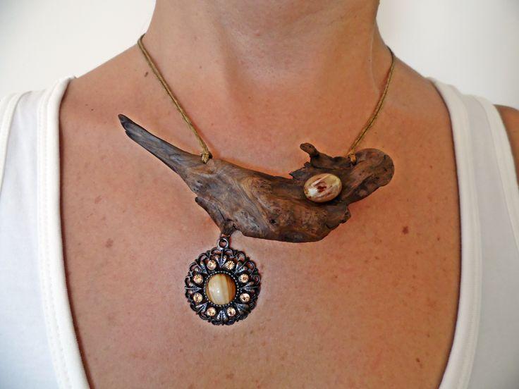 Driftwood necklace ... www.facebook.com/groups/ergeturkaydin/