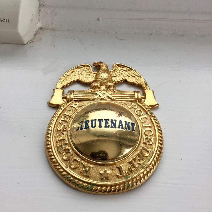 Rochester, NY Police Lieutenant badge. Double lug ...