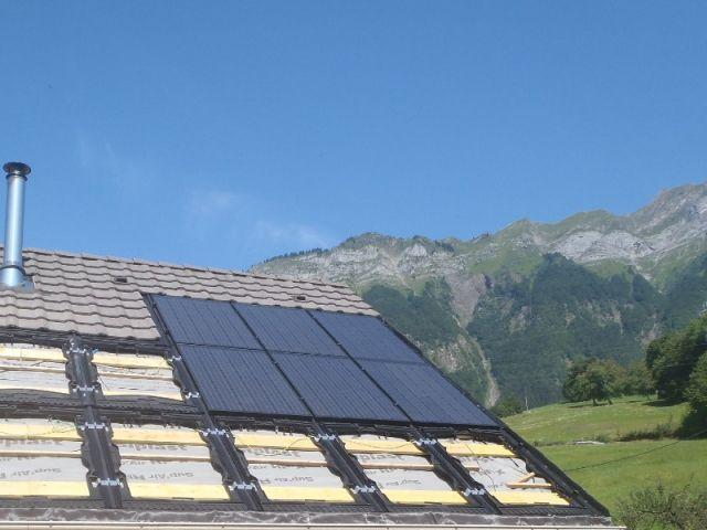 panneau solaire maison banque maison avec panneau solaire. Black Bedroom Furniture Sets. Home Design Ideas