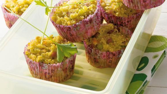 Couscous-Muffins mit Gemüse-Schinken-Würfeln