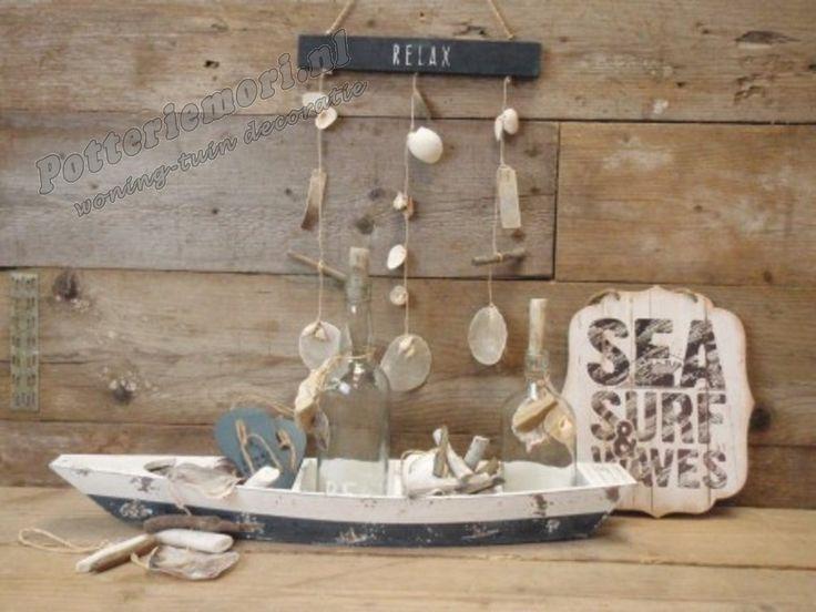 Potteriemori.nl   Houten slippers set I need vitamin Sea blauw 1x7x15 cm hoog  - tekstborden - klokken - krijtborden - fotolijsten