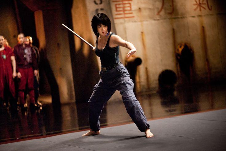 #RinkoKikuchi entrenó casi entrené casi dos semanas, como en un campamento militar, levantamiento de pesas, correr por la playa, artes marciales, comer comida sana. Confiesa que no lo había hecho nunca. #PacificRim