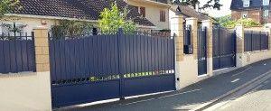 portail battant automatique avec motorisation Virgo, portail coulissant électrique avec motorisation Deimos, clôture en aluminium forgé à Taverny 95, avec boite aux lettres encastrée