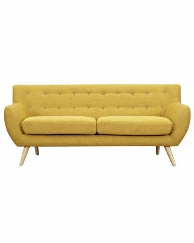 Hit Sofa er en 3-seters sofa med unikt design. Sofaen holder meget god kvalitet og komfort!Tøft design som er tydelig inspirert fra 50-tallet, med en delikat moderne touch. Sofaen får du nå i to forskjellige farger; gul og koksgrå!Kombiner gjerne sofaen med stoler i samme farge, eller ulik farge for å skape en tøff miks! H: 85 cmL: 185 cmD: 80 cm OBS! Denne varen må hentes på lager, eller kontakt oss for frakttilbud ved bestilling!