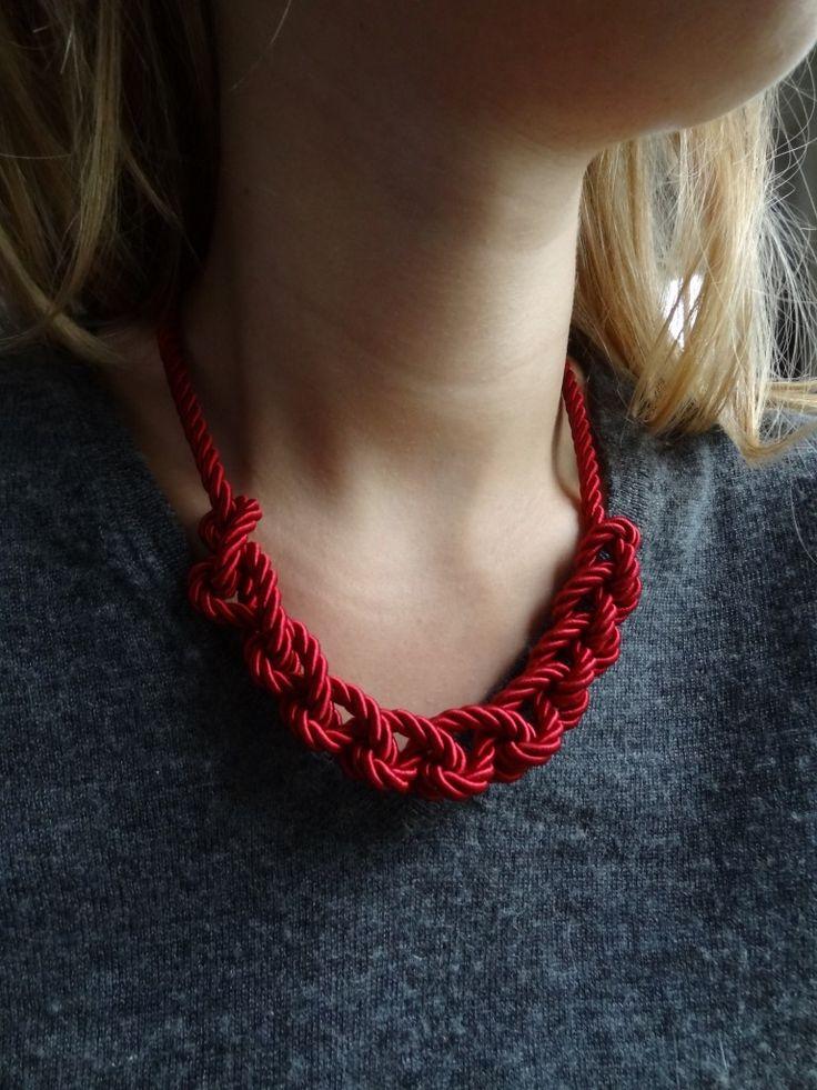La chronique d'Aurélie //8// Un collier noeud pour Noël | Lagouagouache