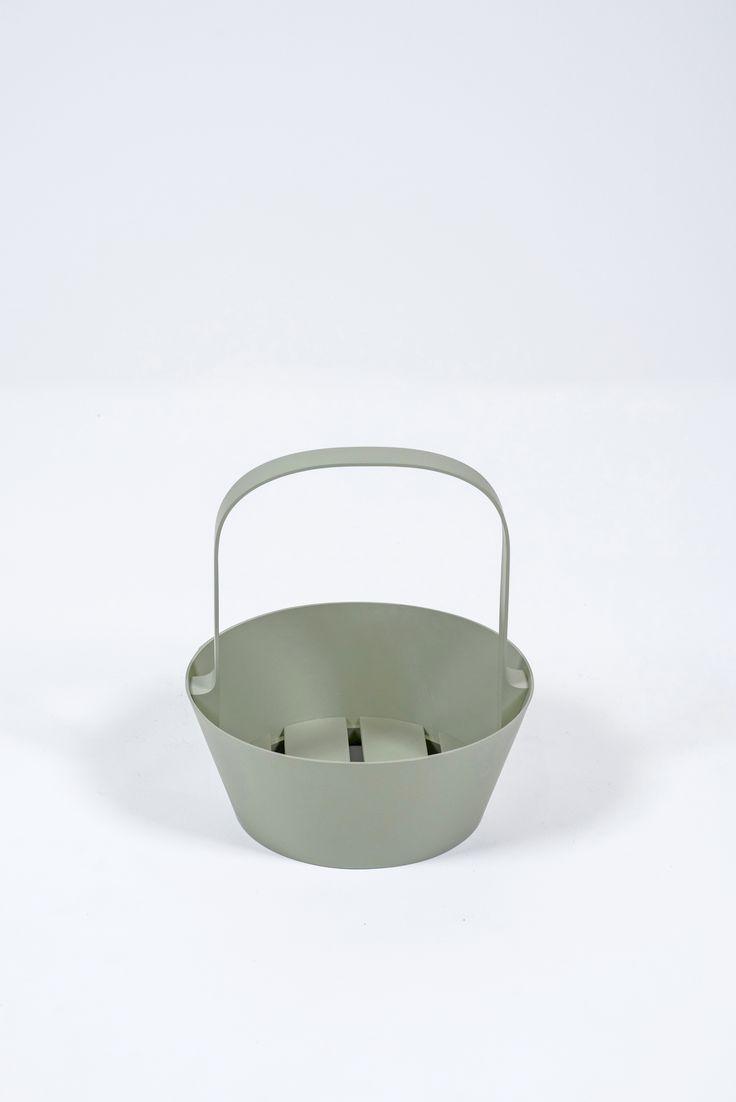 70s chairs is frank o gehry s cardboard chair wiggle side chair - Hancock Baskets