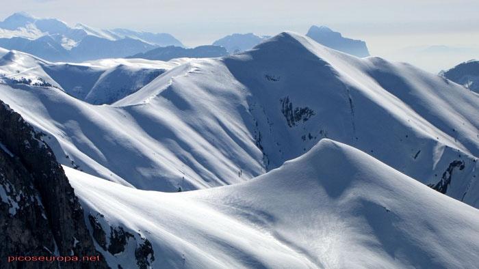 El Pico de Tendeñera de 2.853m esta situado en los Pirineos, Huesca.