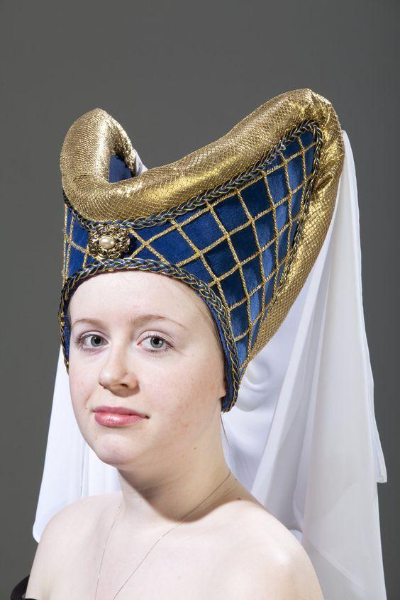 coiffure medieval escoffion