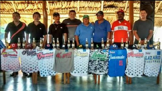 Champoton, Campeche 23 de Enero del 2017.- La Liga Interejidal de Beisbol Amateur de Champotón ( LIBA ) realizó el dia de hoy la entrega de ...