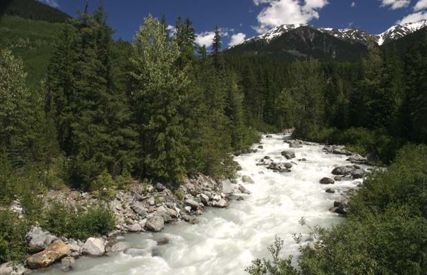 B.C. gives conditional nod to controversial Upper Lillooet Valley hydro project