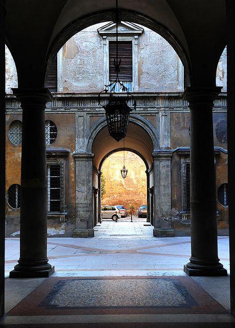 Bologna (Italy) Via S.Stefano 011 by tango- on Flickr.