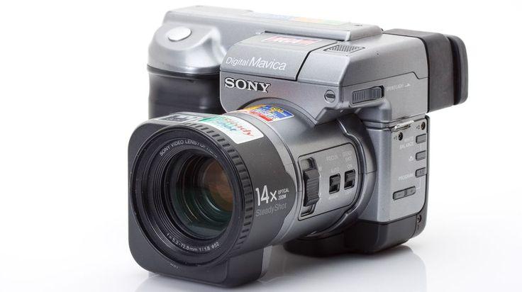 Sony Mavica MVC-CD400 - https://fotoshots.net/fotoblog/sony-mavica-mvc-cd400/