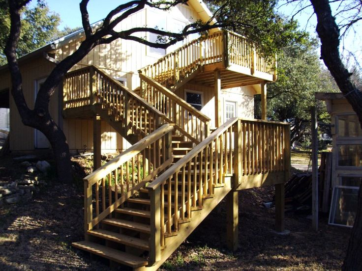 Exterior:Exterior Lovely L Shape Deck With Stairs For Outdoor Home Decoration Light Brown Handrail And Light Brown Wood Stair Step Outstandi...