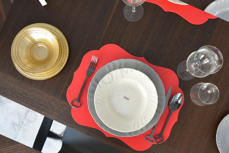 Lunch with Bitossi: Romantic deep plate, dinner plate and Stiff placemats.