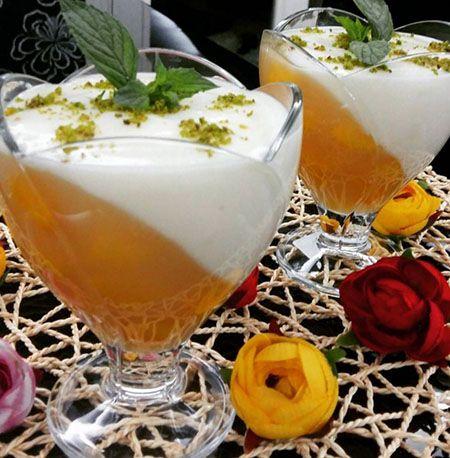 Şeftali sevenler muhallebisinden yapıp kuplara paylaştırıp hem kendiniz için hemde yemekten sonra gelen misafirlerinize güzel bir sunumda bulunabilirsin..