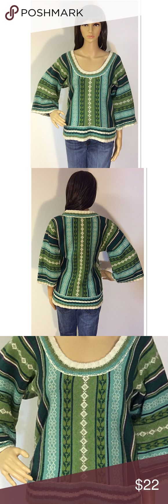 OLD NAVY SWEATER Beautiful colors and wide sleeves. This sweater is perfect to pair with a turtleneck for winter. Gently used Old Navy Sweaters Crew & Scoop Necks