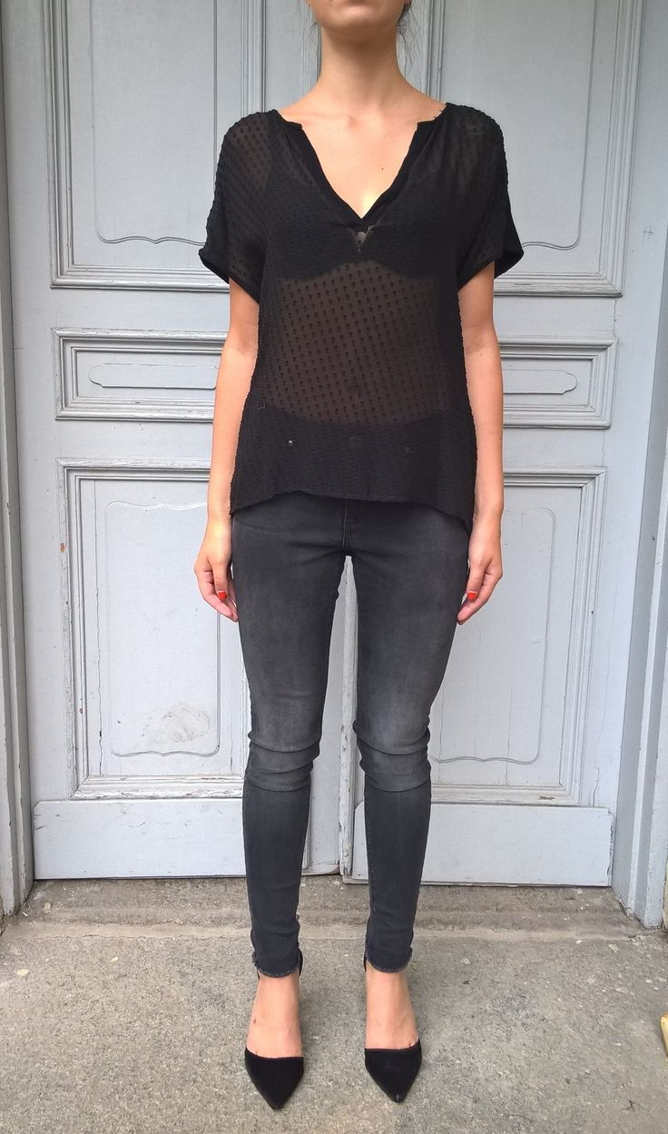 Top Lulu in black. Available online: http://www.sofinah.fi/product/595/top-lulu-black