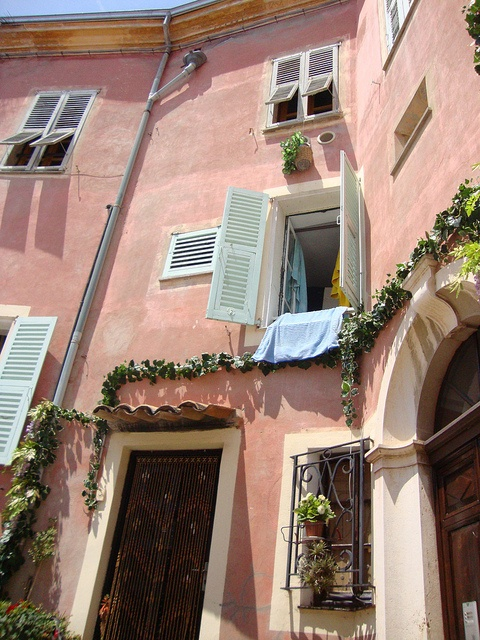 Roquebrune by t-cat1, via Flickr