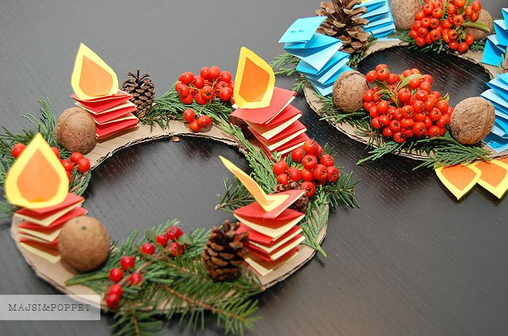 Advent wreath with paper candles