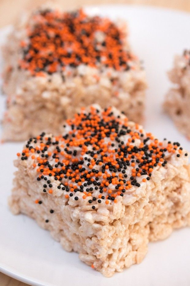 How about some Rice Krispies treats made entirely from scratch and, yes, they are vegan! This dessert recipe uses aquafaba (chickpea brine) for the eggs.