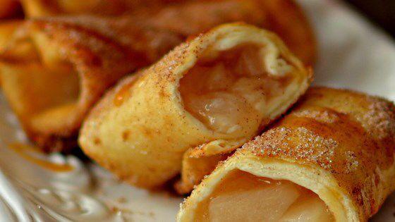 Äpfel in Mehl Tortillas gerollt. Sehr lecker, einfach und schnell zu machen. Ersetzen …