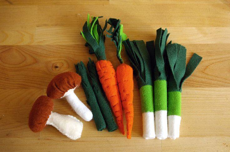 Légumes en feutrine : champignons, asperges, carottes, poireaux