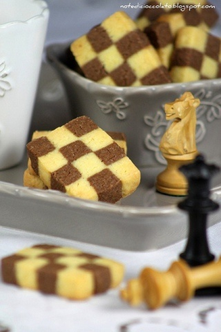 Checkerboard Cookies This tutorial is good too. http://bigblackdogs.net/checkerboard-cookies-laced-with-orange/