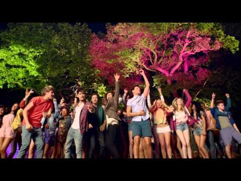 One Direction -- Live While We're Young video #IveBeenRapingTheRepeatButton
