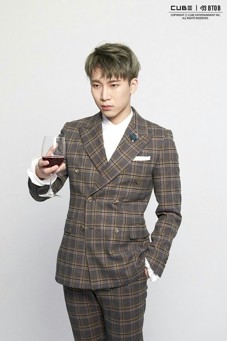 "BTOB 10th Mini Album ""Feel'em"". Jacket shooting scene by Naver . Seo Eunkwang💕"