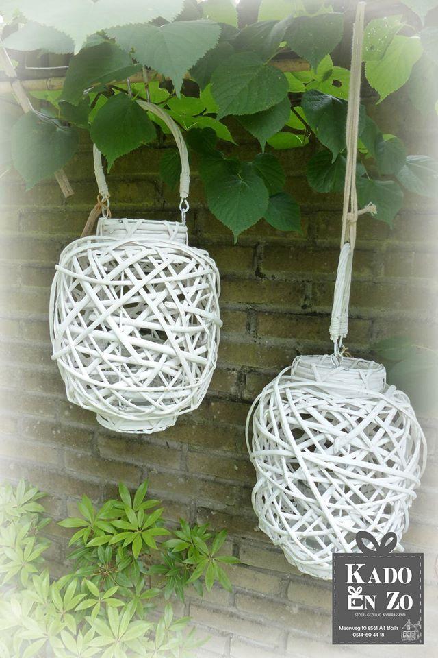 Jammer het wil nog niet echt vlotten met het mooie zomerse weer.  Maar deze gave witte lantaarns kunnen zowel voor binnen en buiten.