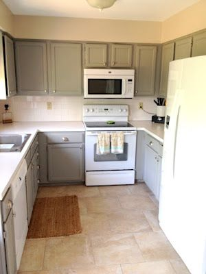 painted cabinets - wow some one was able to make white appliances not look cheap, i really like these