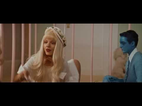 """Melanie Martinez divulga clipe de """"Pacify Her"""" #Cantora, #Clipe, #Noticias, #Novidade, #Vídeo, #Youtube http://popzone.tv/2016/11/melanie-martinez-divulga-clipe-de-pacify-her.html"""