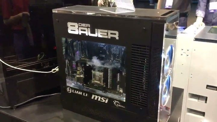 Gamescom 2017 : der8aeur Aqua Exhalare doté d'un processeur Intel Core i7-8700 K, 32 Go de mémoires ram DDR4 et une carte graphique Nvidia GeForce GTX 1080 Ti. #computer #amazing #pc #hardware #cooling #powerful #architecture #pcarchitecture #water #watercooling #technology #hightech #gamescom #gamescom2017 #intel #intelcorei78700k #processor #nvidia #gtx1080ti #videocard