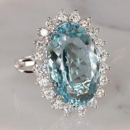 Featured Here Is A Fantastic Vintage Diamond Ring With An 11 Carat Top Quality Natural Aquamarin Vintage Diamond Vintage Cocktail Ring Vintage Engagement Rings