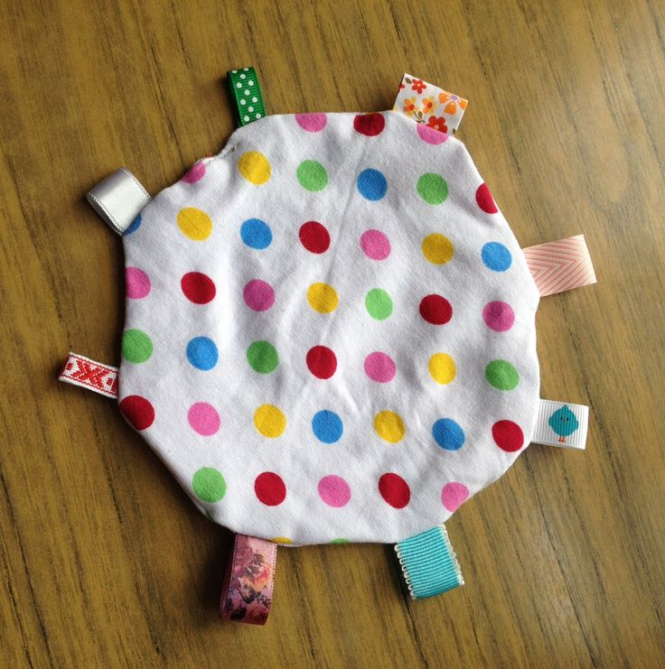 Tried out a circular tag comforter, for my friend's daughter Tutorial (not mine) here http://www.icanteachmychild.com/make-it-taggie-blanket-for-baby/