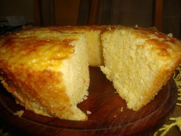 O Bolo Cremoso de Milharina é prático e delicioso. Faça para o lanche e agrade a todos! Veja Também:Bolo Curau de Milho Verde Veja Também:Bolo de Fubá co