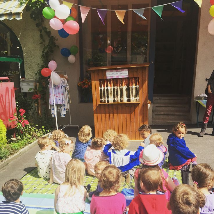Kasperlitheater an Jubiläum eines Kinderkleiderladens