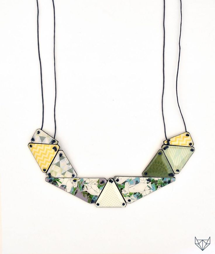 Paper jewellery necklace