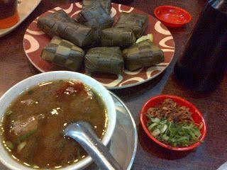 Coto Gagak Makassar, Makanan Enak, Wisata Kuliner di Makassar http://anekatempatkuliner.blogspot.co.id/2016/12/makanan-enak-di-makassar-yang-wajib.html