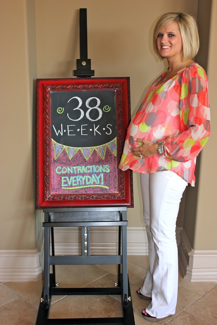 GOAL: SKINNY PREGNANT White pants with WEDGES! 38 Weeks Pregnant Chalkboard