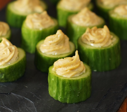 We Can Do Gluten Free Hors Doeuvres Hummus Piped Into Cucumber Bites