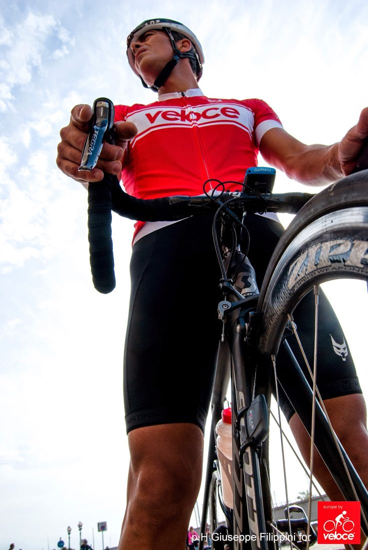 High end cycling jersey by Veloce Collection - velocecorporate.com