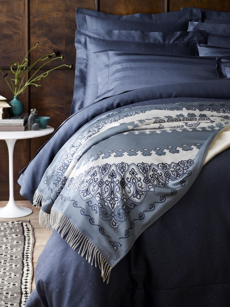 Luxe luxe luxe. Carli is a limited edition throw of Italian-printed silk backed with pure, soft cashmere. The feel is like no other; a true statement piece.