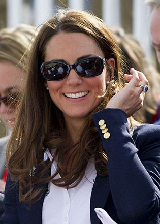 Classic & Feminine: Kate Middleton Sunglass Style