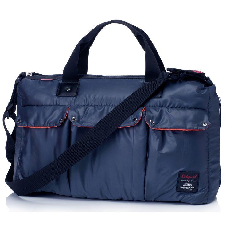 Le sac à langer Soho Messenger de la marque Babymel est à la fois résistant grâce à sa grande qualité mais également très pratique et fonctionnel.
