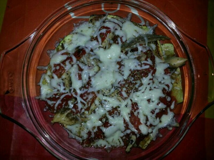 Calabacin a la plancha con tomate natural, orégano,  queso y caballa de Tarifa