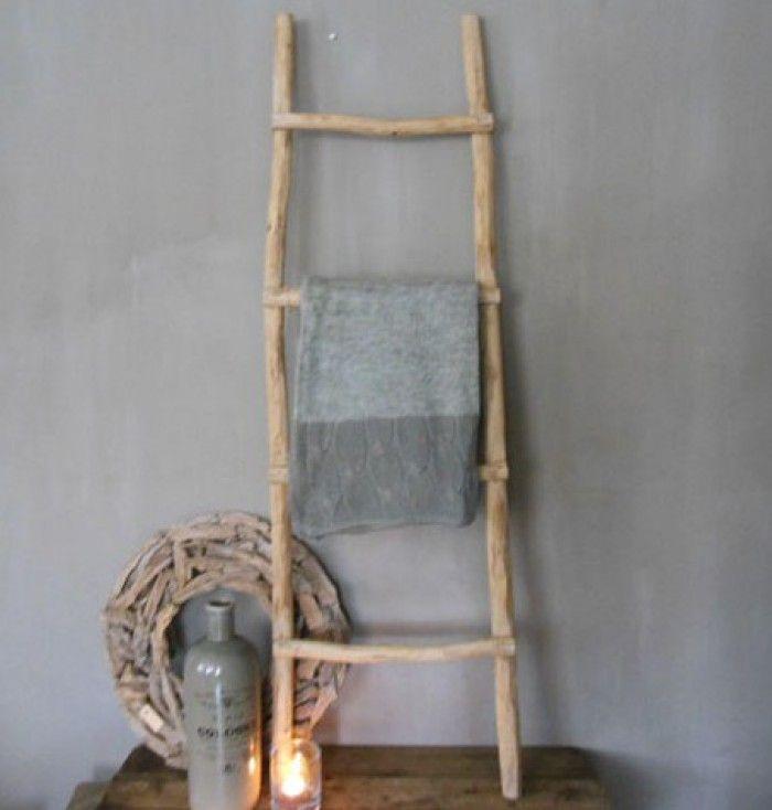 25 beste idee n over houten ladders op pinterest oude houten ladders houten ladder - Houten interieurdecoratie ...