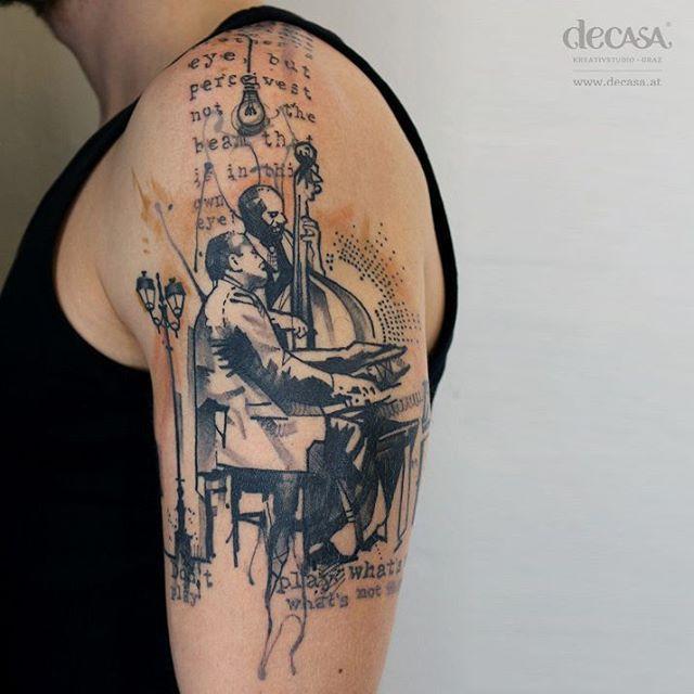 """Titel: """"jazz never die"""" Körperstelle: oberarm Entstehungsjahr: 2015 Material: tattoofarbe unter haut  #tattoo #art #jazz #sketch #graphic #watercolor #artist #black #grey  #bodyart #caroladeutsch #decasakreativstudio #graz #austria"""