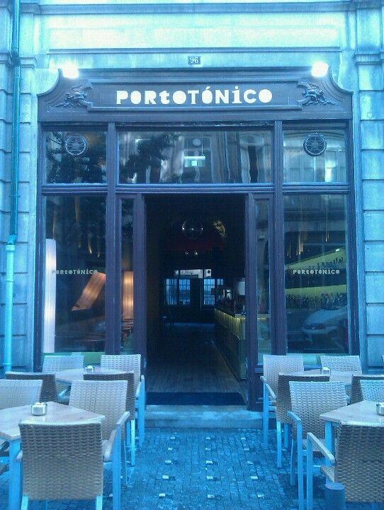 ...Mais Bares Temáticos. Porto Tónico com uma carta recheada de vinhos do Porto e cocktails de autor sempre inspirados no vinho do Porto
