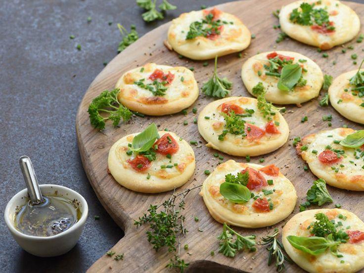 Mini-pizzas blanches aux herbes, facile et pas cher